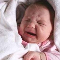 Почему маленькие дети плачут по ночам?