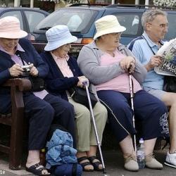 Доказано: пожилые люди мудрее