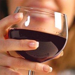 Ежедневное употребление алкоголя снижает риск гибели после сердечного приступа