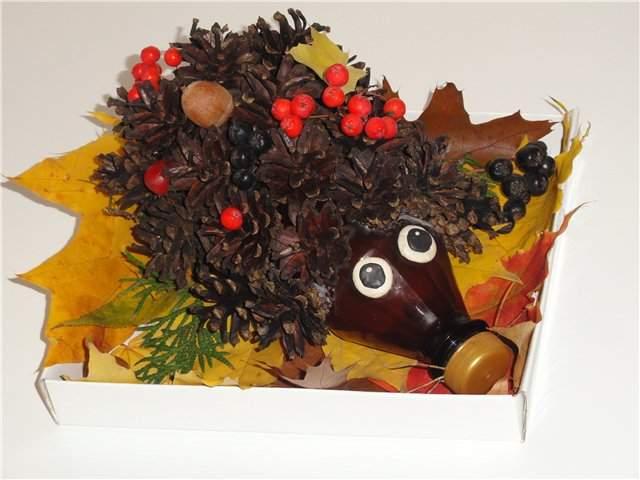 Поделки на тему осень своими руками для детского сада из шишек ежик 53