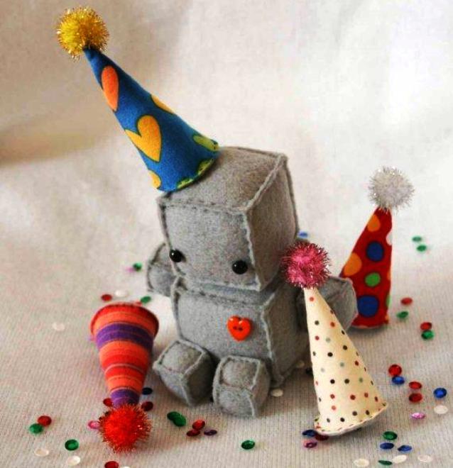 Игрушка робот своими руками фото