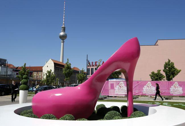 В берлине открылся дом мечты барби в