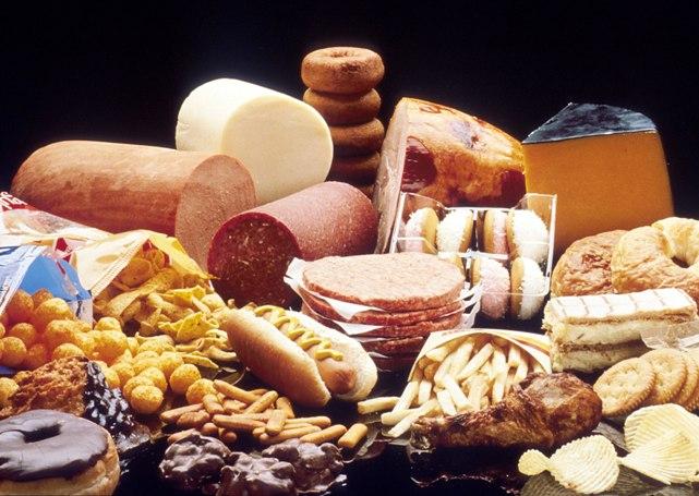 Вздутия: скопление газов в желудке и кишечнике.