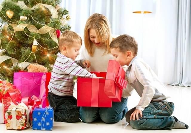 Было 5 детей и 5 подарков