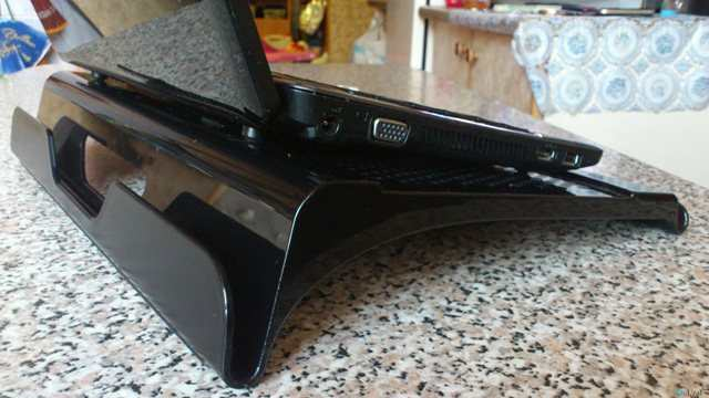 10-laptop-stand.jpg