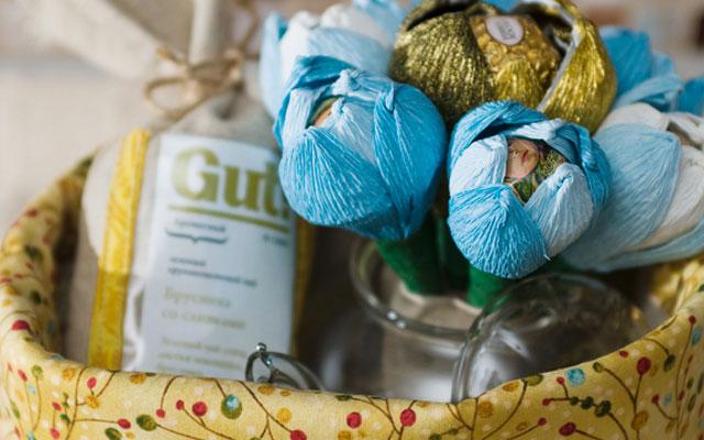 Букеты из конфет с органзой своими руками