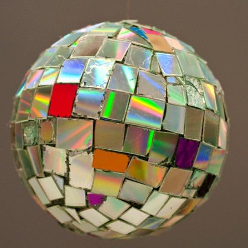 Елочный шар своими руками из дисков