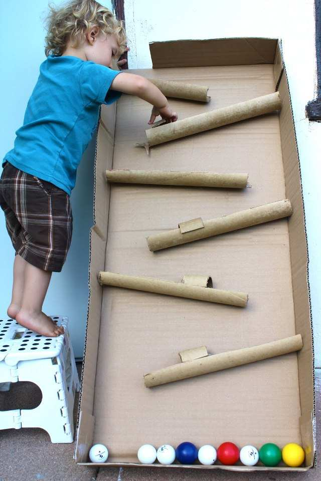 Горка из картона для детей