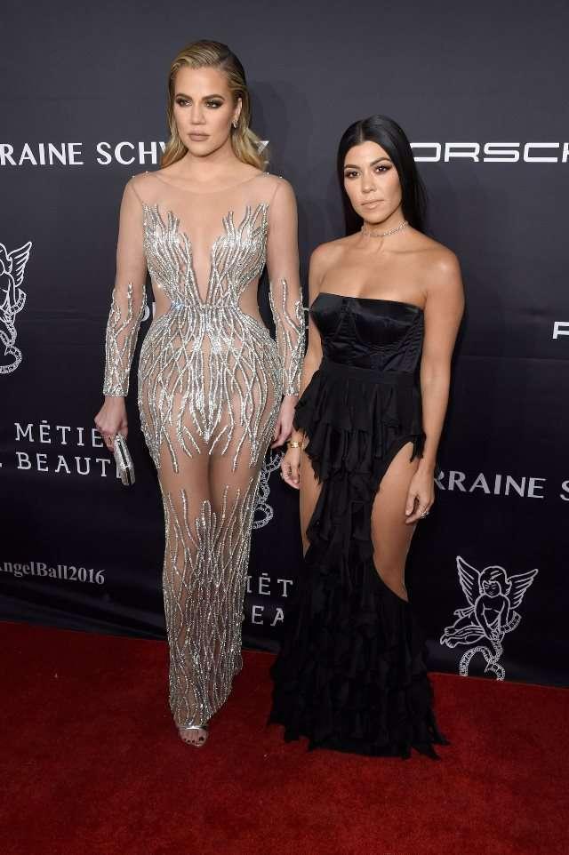Самые известные голые платья знаменитостей