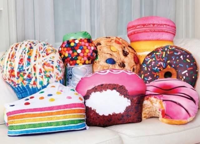 Подушки в виде пирожных своими руками