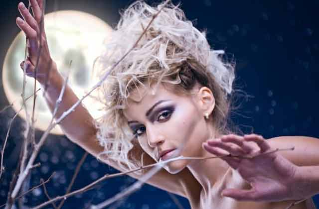 Какую можно сделать прическу с распущенными волосами 15