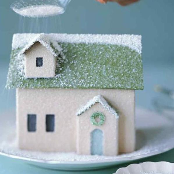 Как сделать новогодний домик из бумаги своими