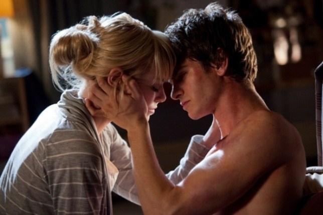 10 фильмов, на съемках которых актеры влюбились друг в друга на самом деле