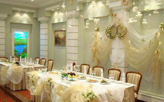 Свадебные украшение на стол своими руками