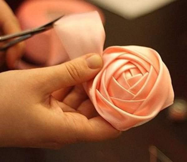 Как из ленты сделать розу из бумаги