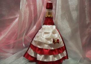 Как украсить бутылки шампанского на свадьбу лентами