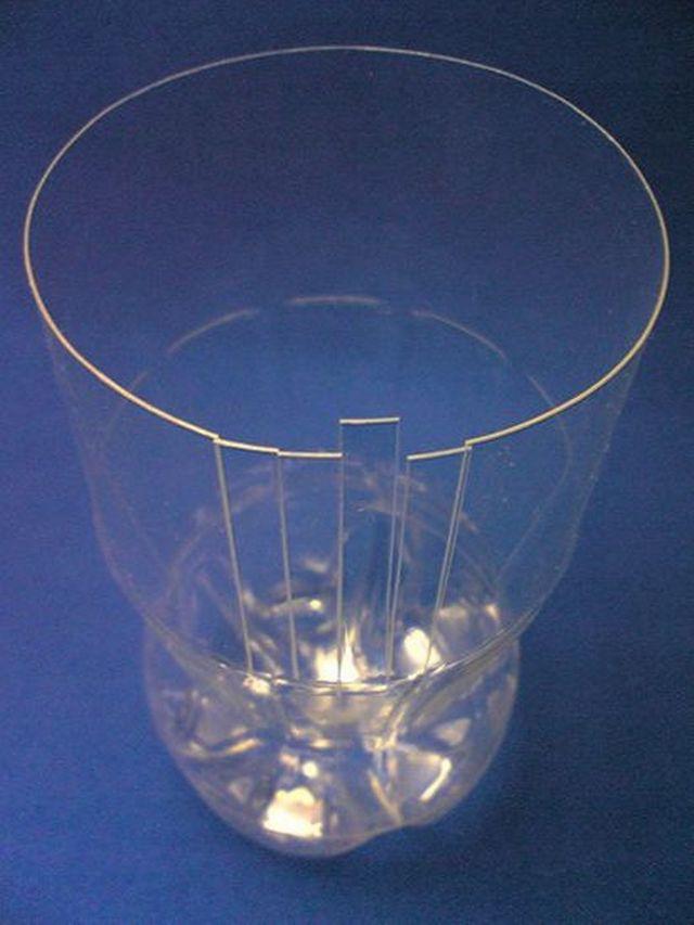 Красивая ваза из пластиковых бутылок своими руками