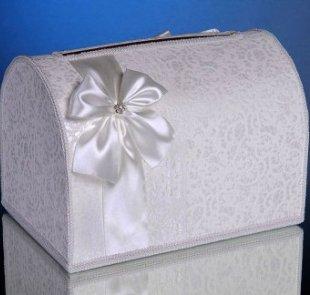 Тюльпан из гофрированной бумаги с конфетами