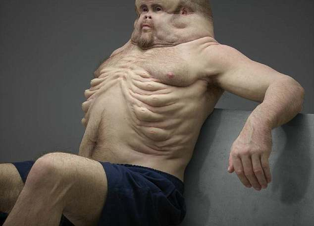Вот, как бы выглядел человек, способный выжить в автокатастрофе