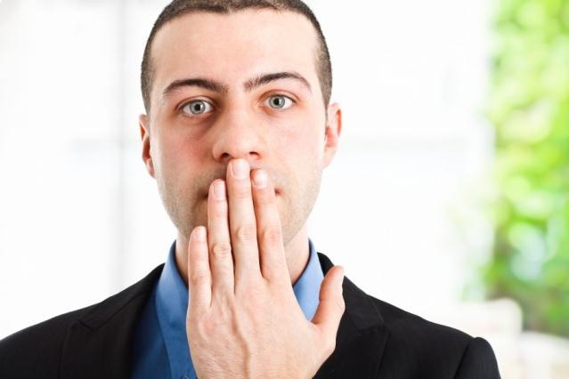 10 явных признаков того, что вам лгут