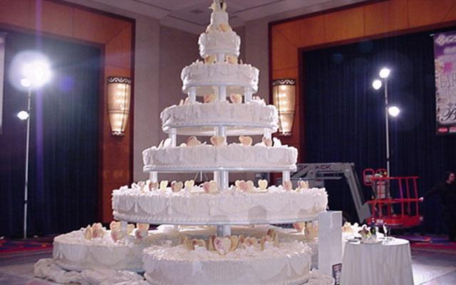 Картинки по запросу большой свадебный торт
