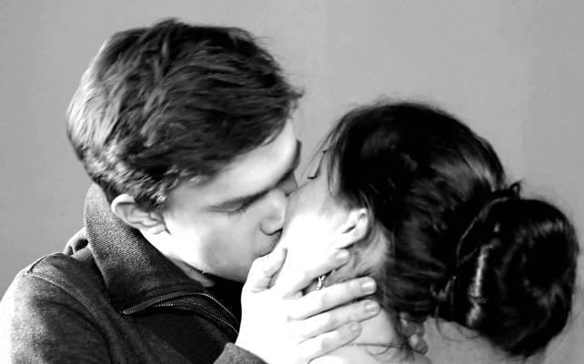 7 признаков того, что ты круто целуешься