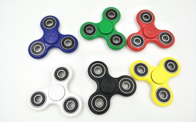 c4787bcab983fcd8ec5bd88661c67368 Фиджет спиннер: что это за игрушка и почему она захватила мир?
