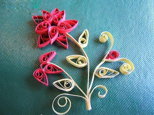 Цветы в стиле квиллинг.