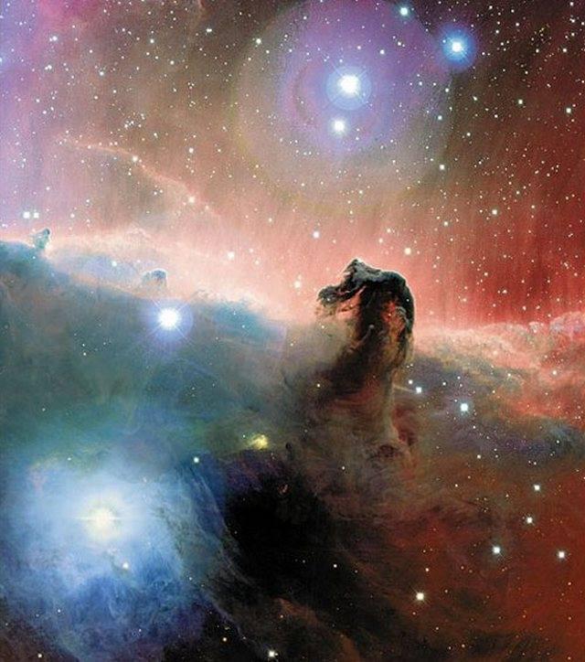 25 фигур, найденных в космосе, которые похожи на земные вещи
