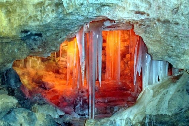 Кунгурская ледяная пещера – одна из