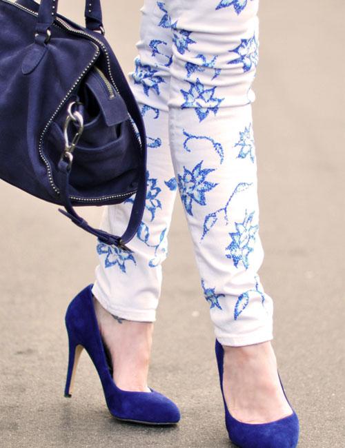 Трусы сквозь джинсы 22 фотография