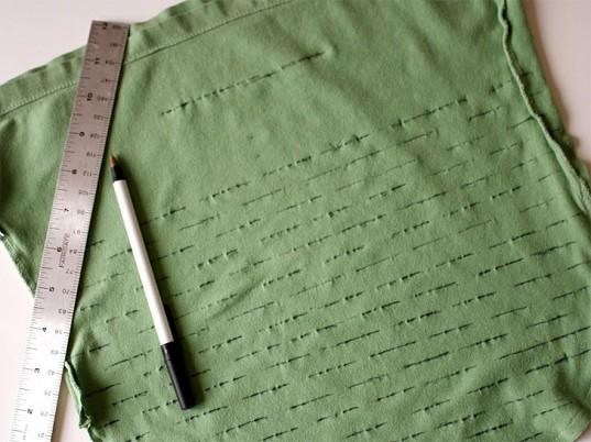 Как сделать дырки на футболке своими руками