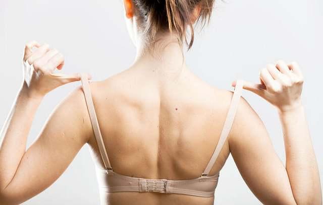 20 проблем, которые поймут только девушки с маленькой грудью