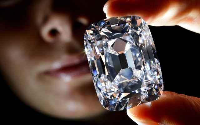 Загадочный камень из России содержит 30 000 алмазов
